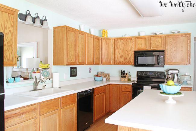 Best 25 oak cabinet makeovers ideas on pinterest oak for Builder grade oak kitchen cabinets