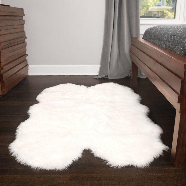 Sheepskin Rug Look: Best 25+ White Sheepskin Rug Ideas On Pinterest