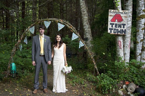 vintage-camping-wedding2 - Check out this site - Very cool idea! I love it....tables settings...camping....!!