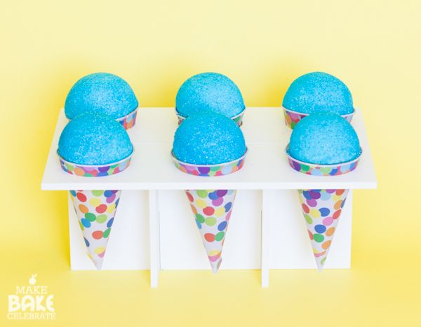 These aren't snow cones, they're cupcakes! Snow Cone Cupcake Tutorial