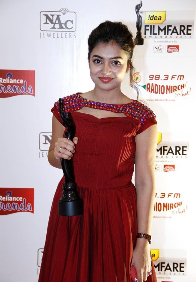 Nazriya Nazim at Film Fare Awards 2014 South | Veethi