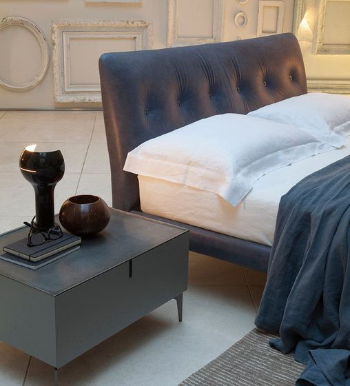 Double beds | Beds and bedroom furniture | Arca | Alivar. Check it out on Architonic