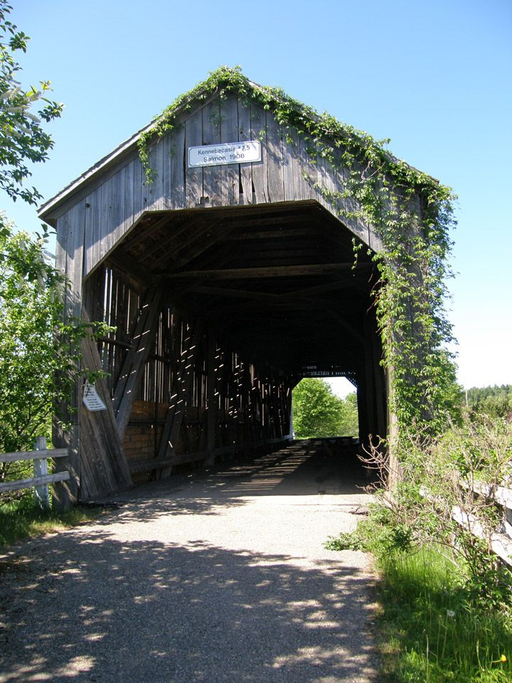 Salmon River Covered Bridge, Sussex, New Brunswick, Canada Found in the 'popular' section of Pinterest... haha