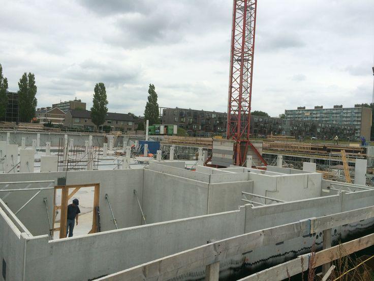 Start bouw kelder blok 2 en Hostel