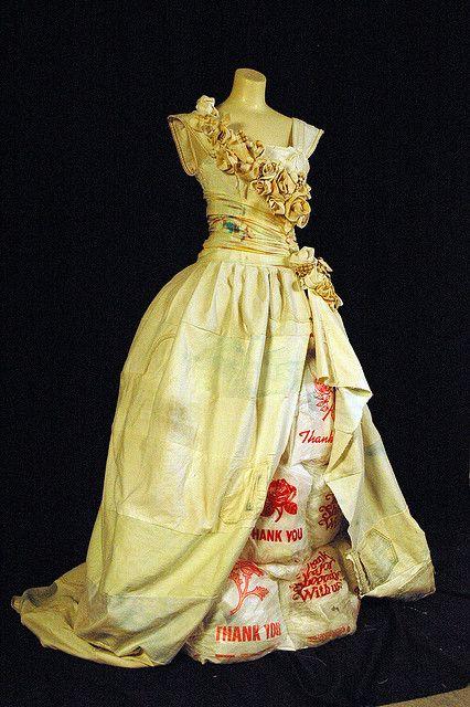 ::: OutsaPop Trashion ::: DIY fashion by Outi Pyy :::: Discarded to Devine denim wedding dress