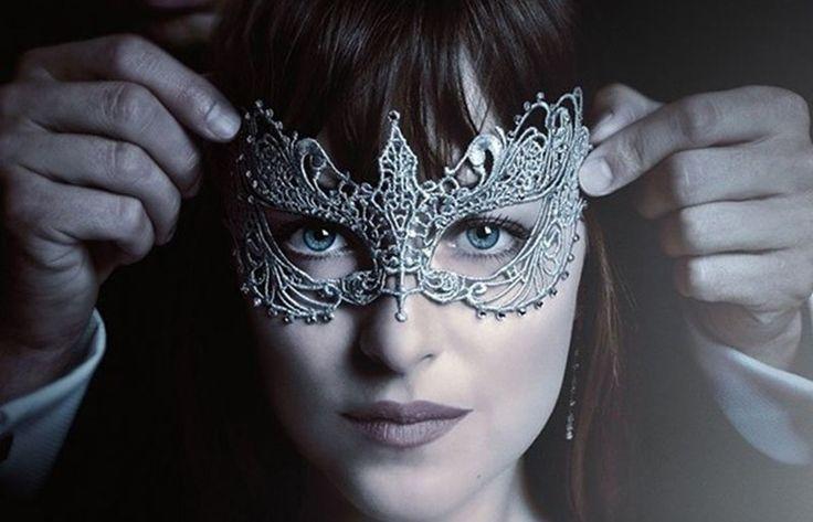 """""""Cinquenta Tons Mais Escuros"""" ganha teaser com a Anastasia se preparando para o…"""