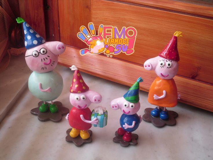 cake topper in fimo di peppa pig's family con componenti singoli