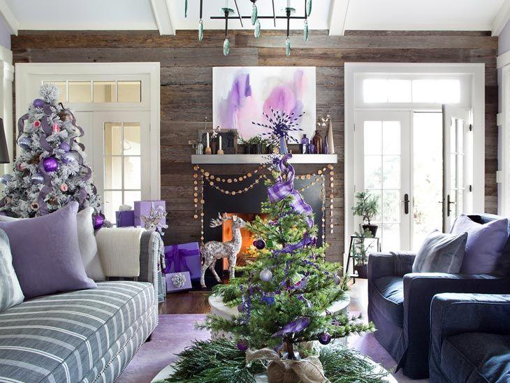 Фиолетовый цвет в новогоднем декоре интерьера