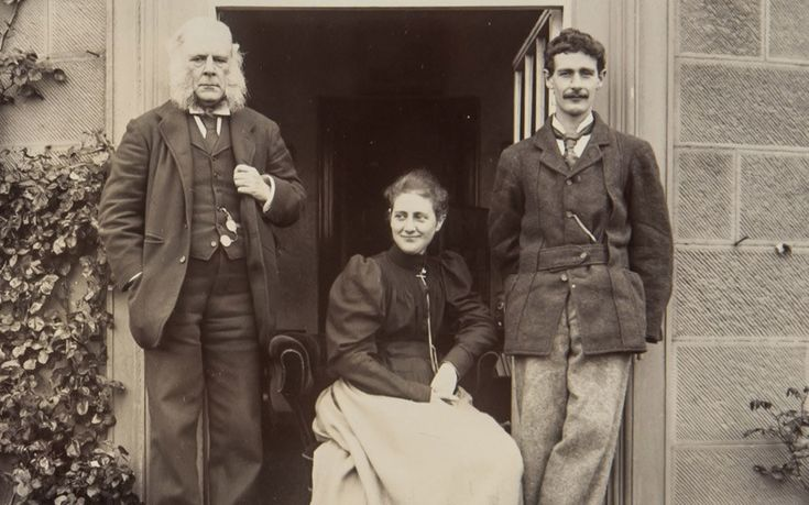 A very rare picture of a smiling Beatrix pictured with her father Rupert and brother Bertram.