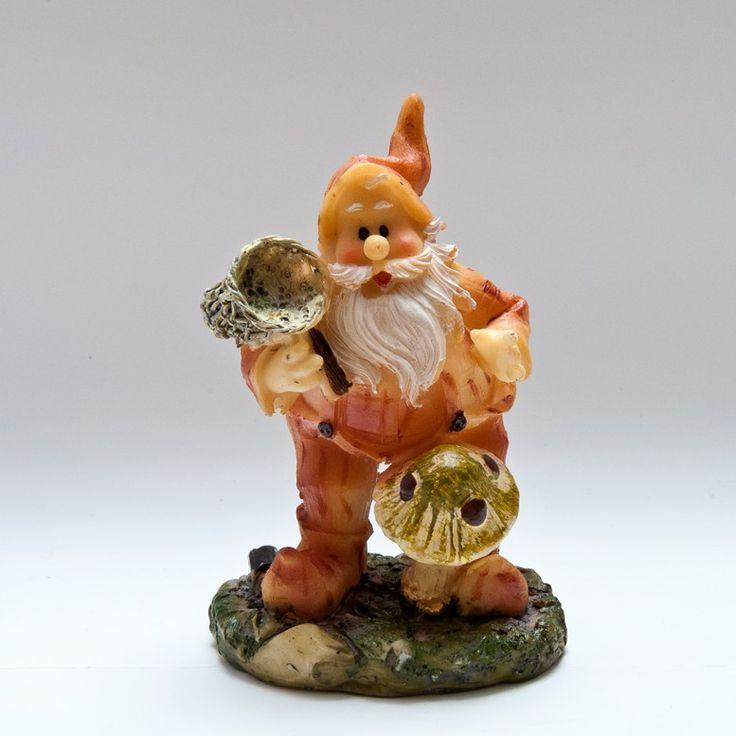 Dwarf with mushroom