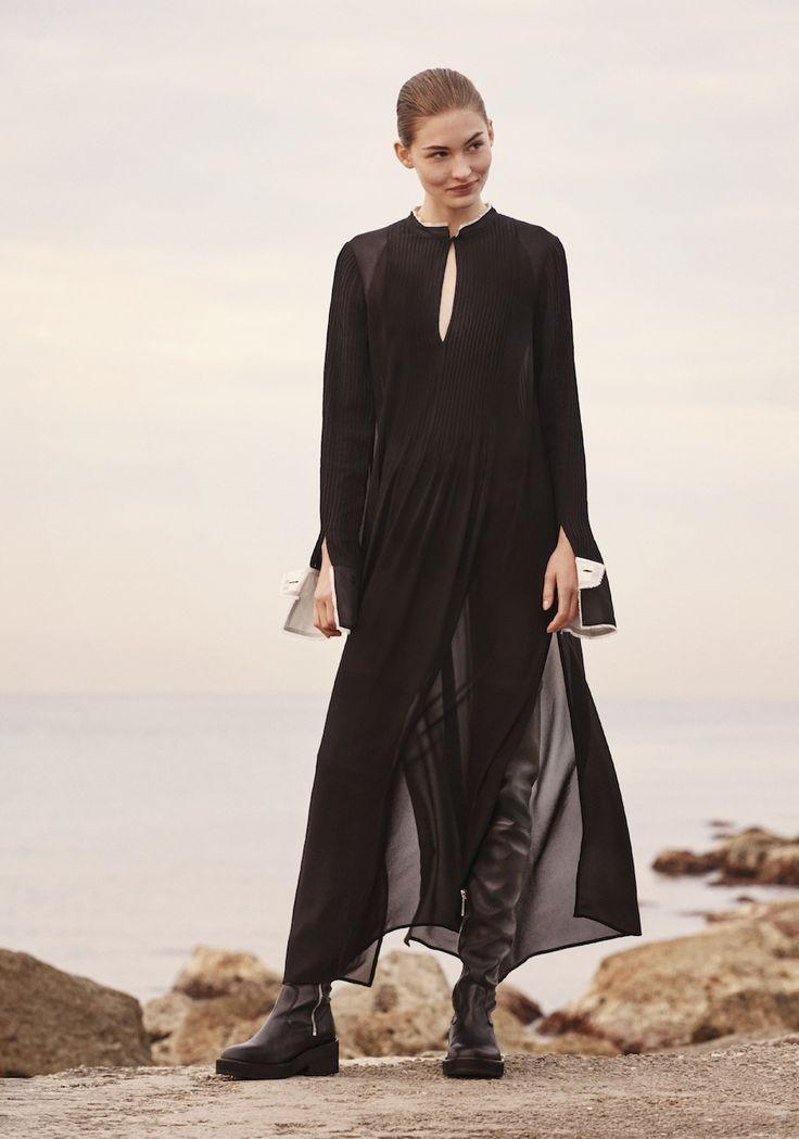 H&M Studio представили коллекцию в походном стиле