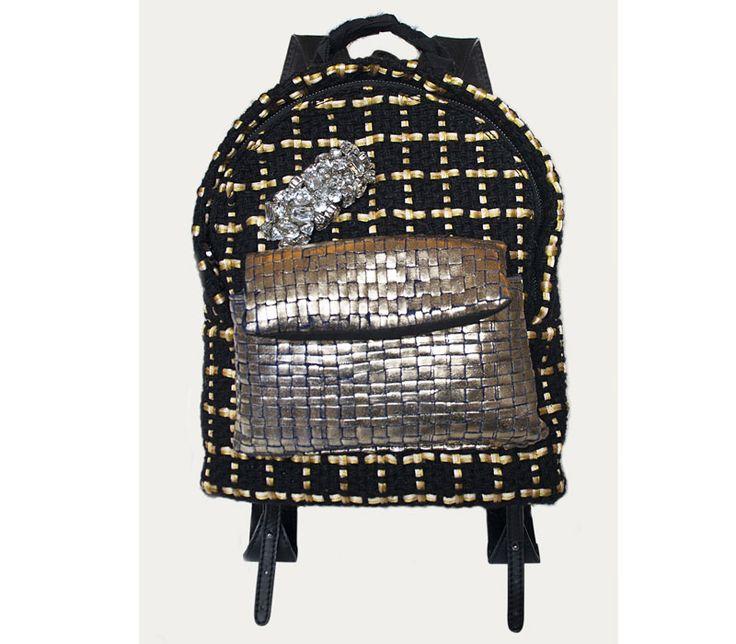 Gansu in handwoven fabric. Quarzo black + diamante blue+gold. Suede handle stone details.