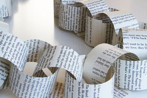 Crafting with book pages: Old Newspaper, Book Garlands, Book Pages, Book Chains, Chains Garlands, Newspaper Th Boys, Christmas Trees, Paper Chains, Book Paper