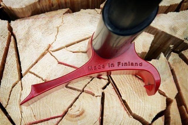 Después de 1 millón de años, este finlandés rediseñó el hacha