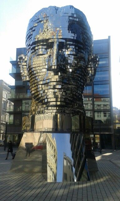 Franz Kafka. New moving sculpture in Prague by David Cerny