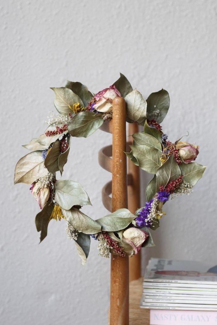 Gennifer Rose - Flower Wreath