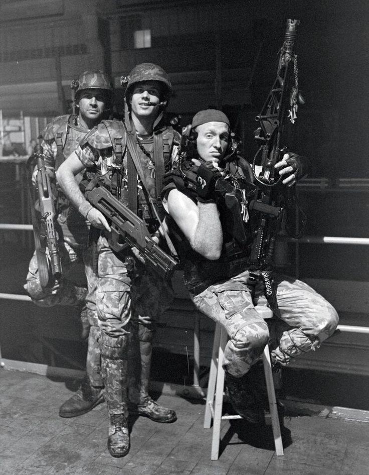 Colonial Marines behind the scenes on #Aliens (1986)