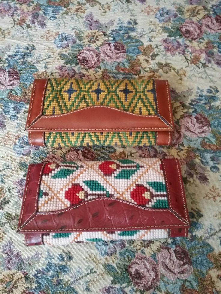 Billetera de esterilla bordado con punto cruz de lana natural