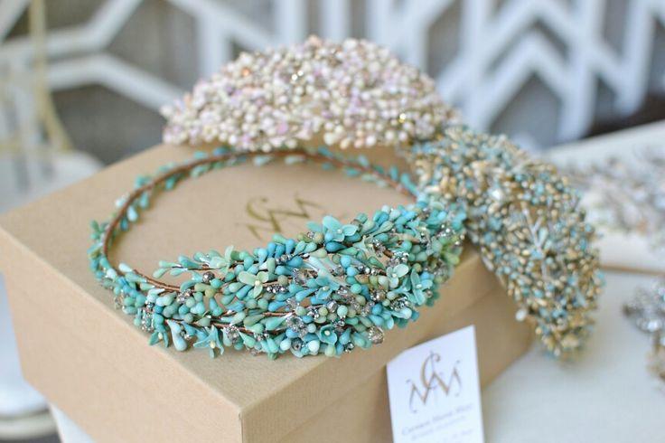 Tocados de porcelana fría bordados en pedrería - Cold porcelain headpieces embellished with crystals. #handmade #hechoamano #tocado #headpiece #bridal #wedding #boda www.carmenmariamayz.com