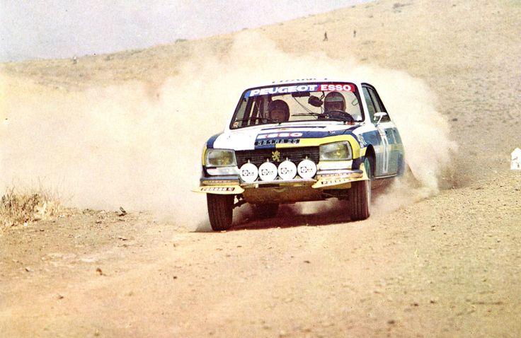 Jean-Pierre Nicolas (Peugeot 504) vainqueur du Rallye du Maroc - 1976 - sport-auto août 1976.