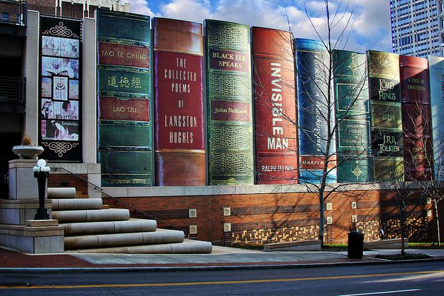 Kansas City Public Library facade that looks like a bookshelf, by cassie shey, via Flickr.