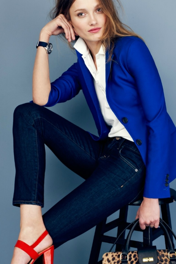 Cobalt blazer over a white polo with dark jeans and punchy flats