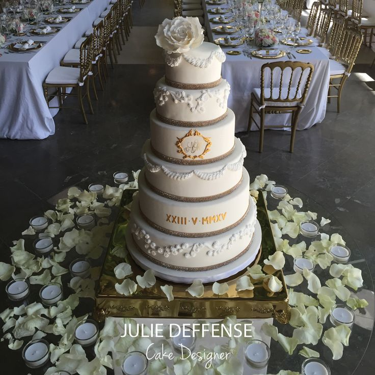 Luxury Wedding Cake by Julie Deffense | www.cake.pt | Cascais, Portugal + Boston, MA, USA