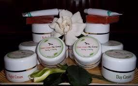 sejak dahulu telah diketahui khasiat air liur walet khususnya bagi kecantikan yaitu sebagai obat awet muda, mempercepat regenerasi kulit dan meningkatkan vitalitas dan menjaga kesegaran kulit. karena itu kami menawarkan perawatan wajah dengan bahan dasar air liur walet KUNJUNGI KAMI DI http://lianybeauty.blogspot.com/2011/09/walet-bio-cream.html