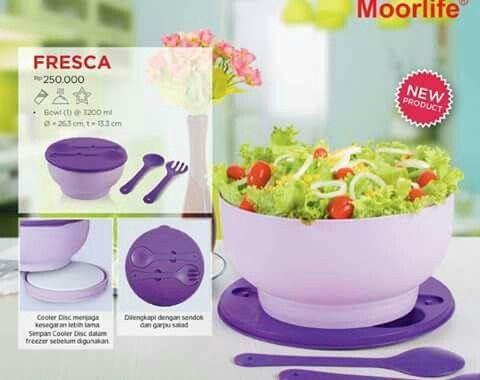 Baru!! Simpan bagian bawah mangkuk di freezer,lalu gunakan untuk menjadi pendingin di bawah mangkuk! Perfect :)