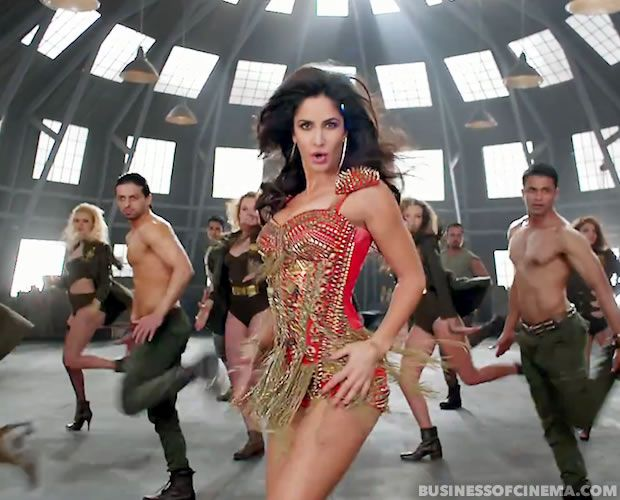 Dhoom3Song-038