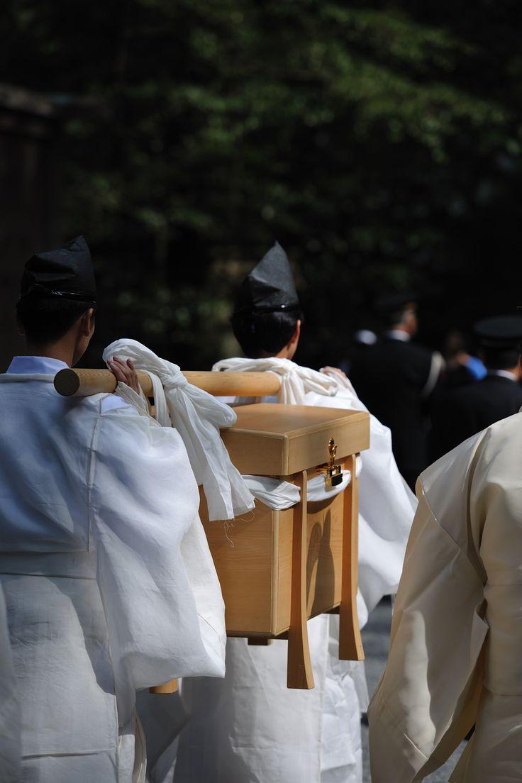 #Japanese white, Ise Jingu shrine, Mie, Japan. 伊勢神宮 神嘗祭 「奉幣の儀」