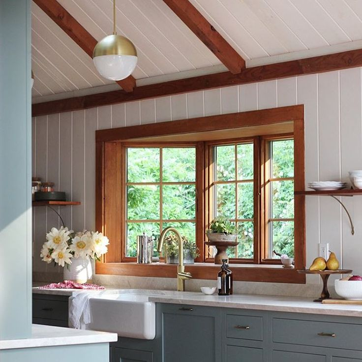 Inject Warmth Into Your Home With Reclaimed Wood Wall: Jersey Ice Cream Co. Design // North Fork Seaside House