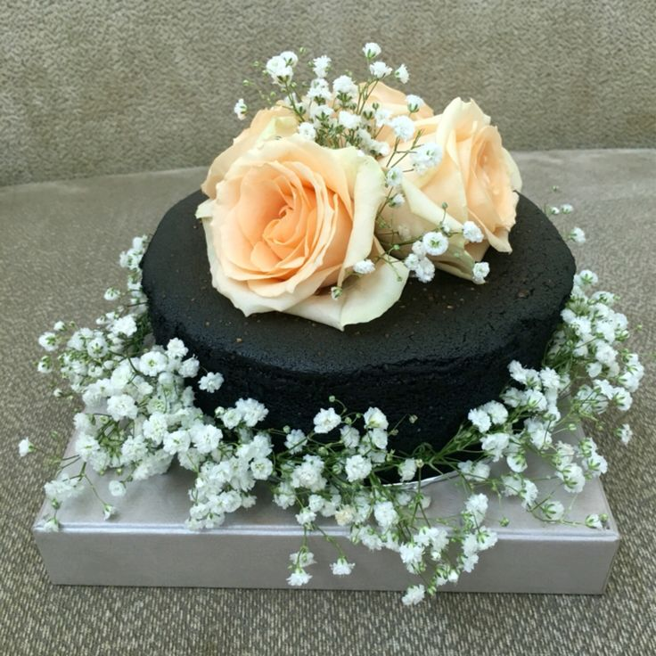 It is not for wedding cake, but for my sister bday cake... Hbd sista... Gbu