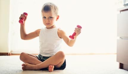 Lette håndvægte giver store muskler