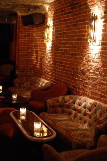 Inspi meubles / mur briques - Ballroom du beef Club Paris - 58 rue Jean-Jacques Rousseau (1er, les Halles)