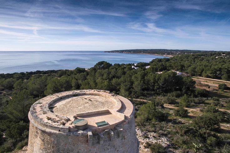 TRANSFER Monograph 02 Island | Refurbishment of the des Pi des Català tower, Formentera, 2015 | © Marià Castelló