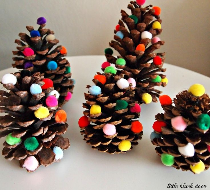 Cute Christmas Craft...maybe do this with red berries instead of pom poms