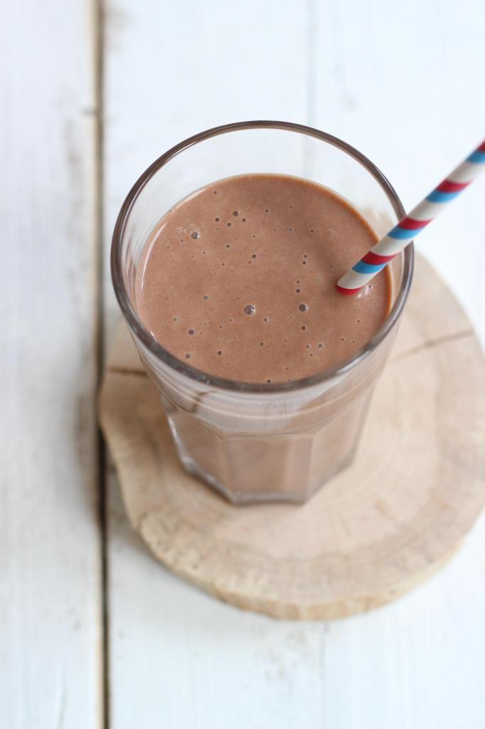 Banaan-chocolade milkshake - Lekker en Simpel