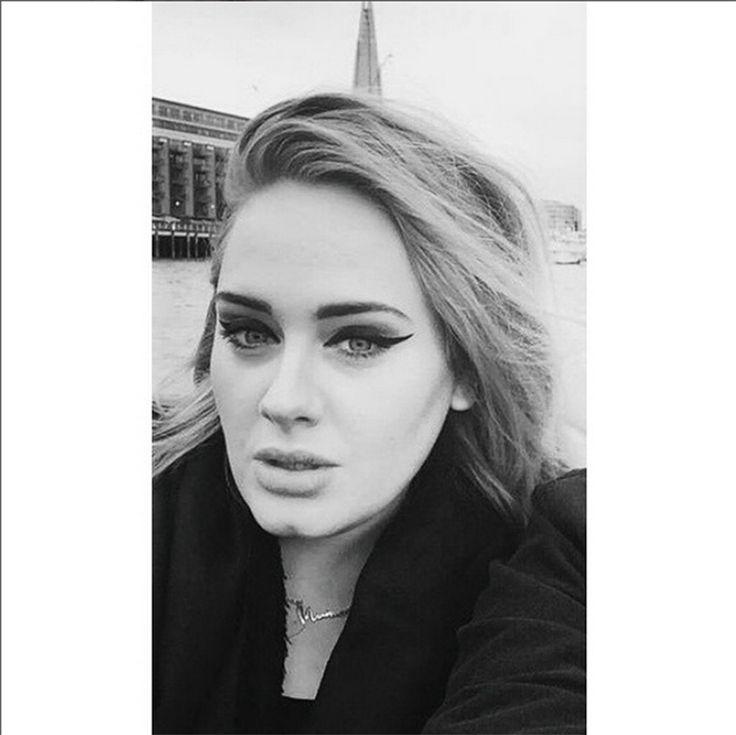 Adele dieta e nuovo stile di vita: la cantante è dimagrita di 30 chili - Scomparsa quasi del tutto da quando ha avuto il piccolo Angelo, Adele dimagrita ha perso 30 chili e svela i suoi segreti di salute e il suo nuovo stile di vita. - Read full story here: http://www.fashiontimes.it/2015/09/adele-dieta-e-nuovo-stile-di-vita-la-cantante-e-dimagrita-di-30-chili/