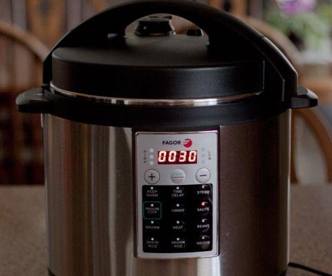 Fagor-Premium-Pressure-Cooker-3
