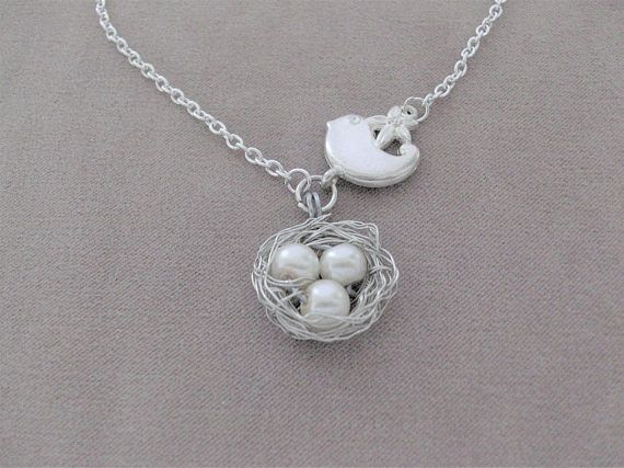 Pretty Pendant Necklace Birdie with the Nest lovely delicate