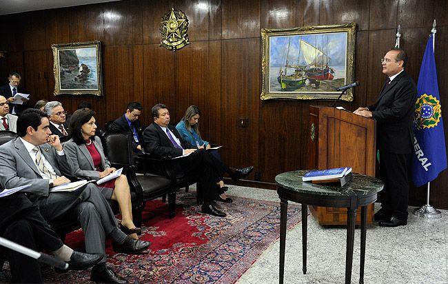Presidente Renan Calheiros (PMDB-AL) na cerimônia de lançamento da obra Coleção Sessões Temáticas – Reforma Política, Financiamento da Saúde e Pacto Federativo (17/12/2013).  Foto: Jane de Araújo
