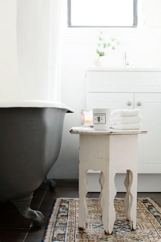 matte black clawfoot bath tub. / sfgirlbybay