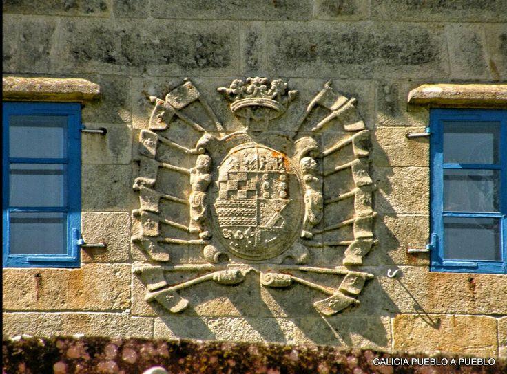 """Torres de Cereixo. Vimianzo.  """"Bimianzo: La Fortaleza de Bimianzo (que es habitación de los Jueces, y tiene bellísimas paneras para los granos) está cuatro leguas de la Villa de Corcubión, asia del norte, y nueve de la ciudad de Santiago"""". """"Esta fortaleza y jurisdicción donó Don Fadrique, Duque de Arjona, por los años 1429 a Doña Juana de Castro su prima, cuando casó con Rodrigo de Moscoso, hijo de Ruy Sánchez""""."""