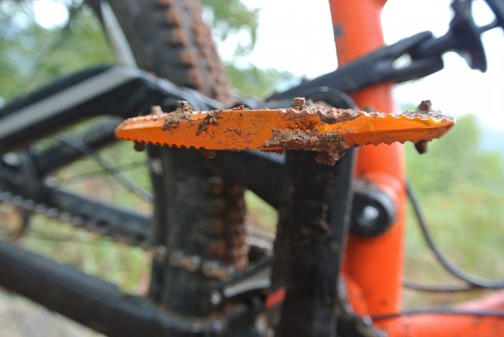 Canfield Brothers Crampon Ultimate Pedals Review | Singletracks Mountain Bike News