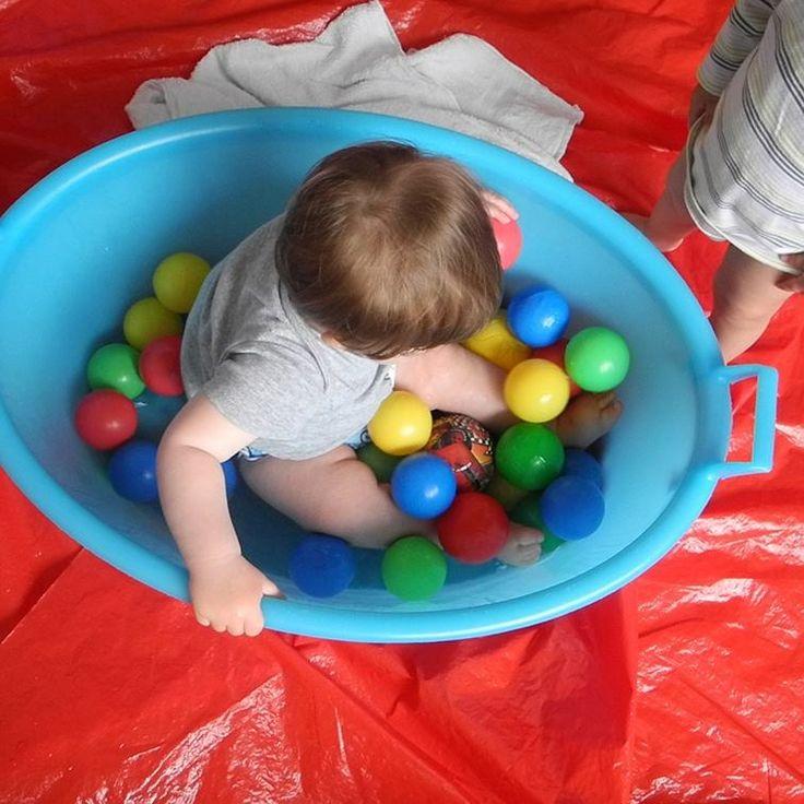 Il gioco sensoriale è un'esperienza fondamentale per i bambini, soprattutto quando sono ancora molto piccoli #IlFuturoIniziaDaQui
