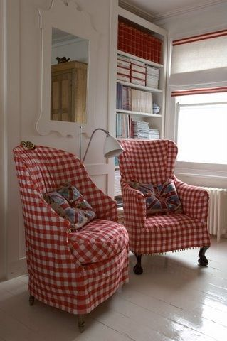 red gingham chairs - wish I could find one!