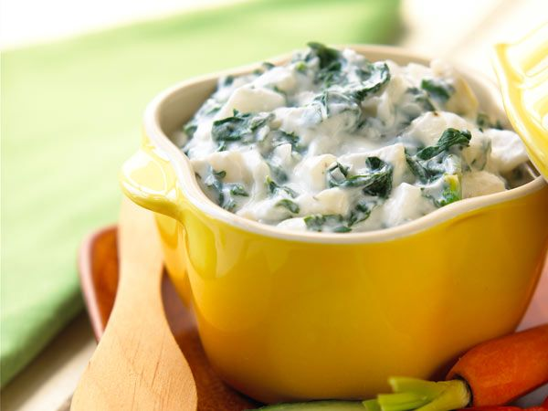 Low-Fat Spinach Dip http://www.prevention.com/food/cook/25-things-you-can-do-with-yogurt/slide/20