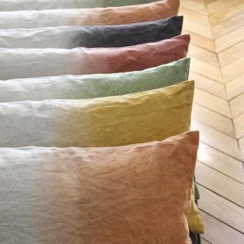 coussin en lin dip-dye Margarete Häusler sur CAPSULE DECO