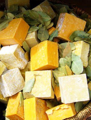 Săpun de Casă cu Ulei de Măsline (Preparare la Rece) – Piele Uscată, Celulită